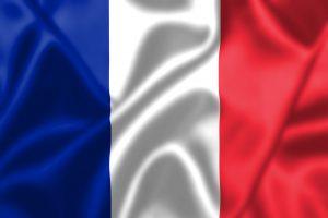 Det franske flag bølger i vinden