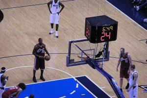 Basketball-spilleren LeBron James i kamp for NBA-holdet Cleveland Cavaliers