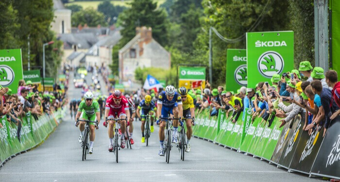 Billede af en indlagt spurt fra Tour de France, hvor Cavendish, Kittel, Kristoff og Sagan kæmper om sejren