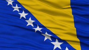 Det bosniske flag der blafrer i vinden