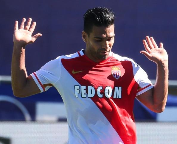 Fodboldspilleren Radamel Falcao i kamp for den franske klub AS Monaco i Ligue 1.