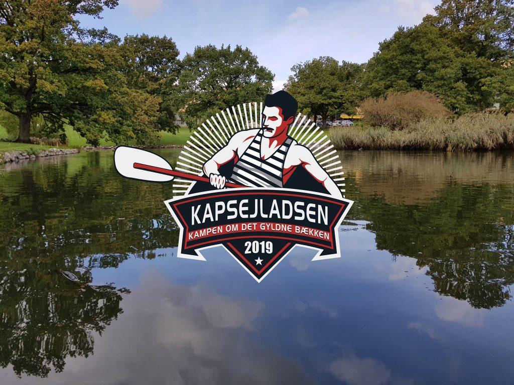 Kapsejladsen 2019s officielle logo. Man kan oddse på Kapsejladsen og kampen om det gyldne bækken hos bookmakeren NordicBet